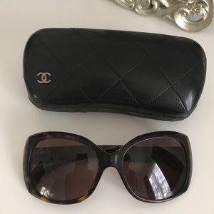 Chanel sunglasses 5183, authentic